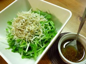 包丁いらずの水菜サラダ